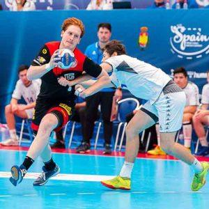 Lukas-stutzke-2-bergischer-hc-handball_die-sporthalle-dennis-marquardt-bergisch-gladbach-strundepark-community-gym