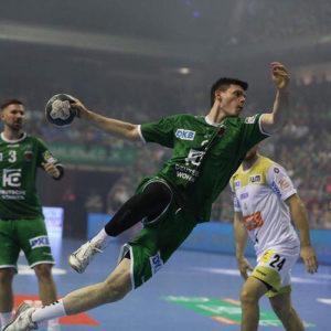 Simon-ernst-1-fuechse-berlin-Handball_die-sporthalle-dennis-marquardt-bergisch-gladbach-strundepark-community-gym